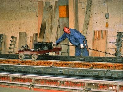 foto af specialarbejder på betonfabrik