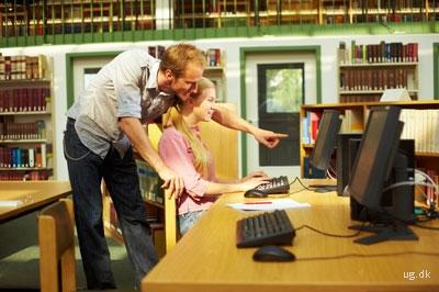 foto af biblioteksbetjent