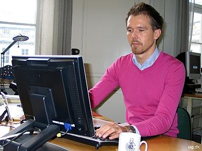 Efterforskning - Over halvdelen af tiden arbejder Nils på kontoret
