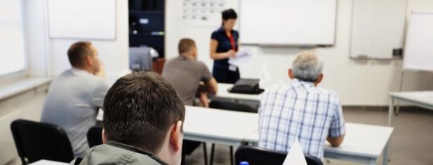 Akademiuddannelsen i ungdoms- og voksenundervisning