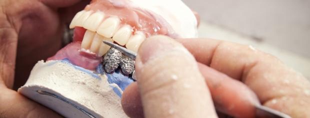 uddannelsen til klinisk tandtekniker