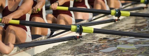 Båd med kvindelige roere