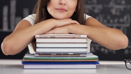 Pige med bøger